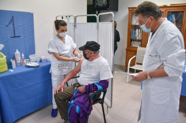 vaccinazioni-ospedale-civitanova-FDM-3-650x433