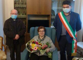 Clorinda Cestarelli con don Eugenio e il sindaco di Colmurano