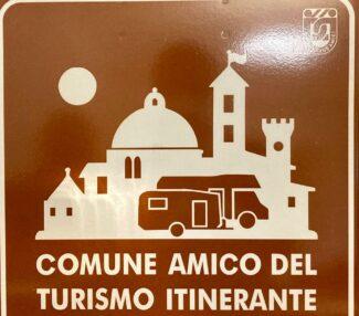 Montecassiano-Comune-amico-del-turismo-itinerante-3-e1621074479763-325x286