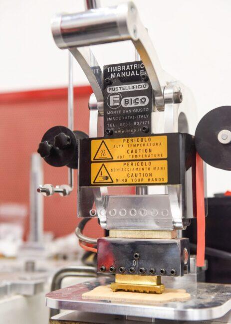 Timbratrice manuale modello BICOMEC 2.0 GM B2