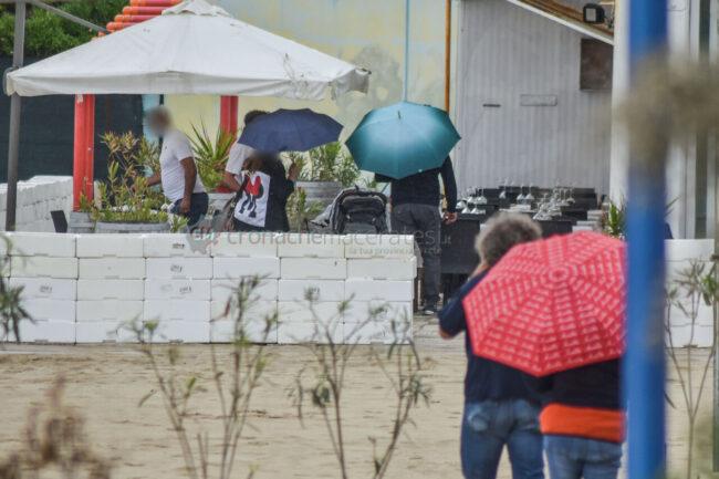 domenica-di-pioggia-spiaggia-lungomare-centro-civitanova-FDM-7-650x433