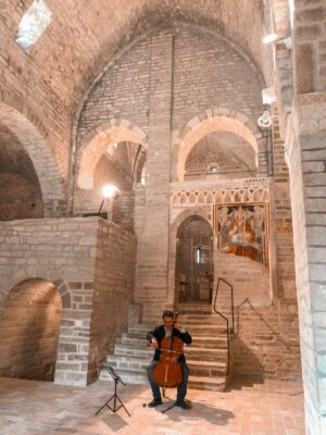 federico-bracalente-bach-abbazia-santurbano-2021-05-11-at-23.49.47-300x400
