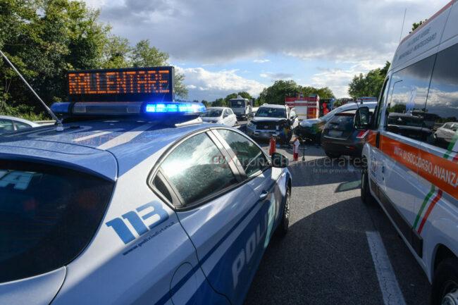 incidente-auto-contromano-in-superstrada-morrovalle-FDM-3-650x433