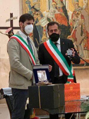 Il vice sindaco di Siena Andrea Corsi e il sindaco di San Ginesio Giuliano Ciabocco