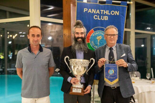 Luca-Paniconi_Michele-Spagnuolo_Pietro-Paolella-con-la-Coppa-Italia-Serie-A2-Volley-Femminile-650x433