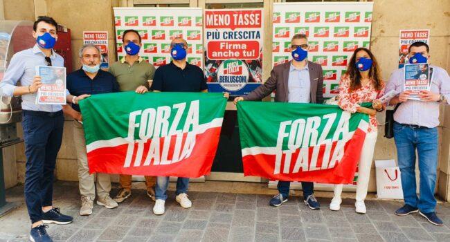 gazebo-forza-italia-2-650x350