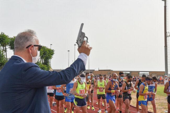 hill-run-2021-partenza-corsa-podistica-civitanova-FDM-9-650x433