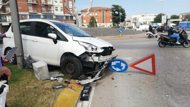 incidente-rotatoria-civitanova