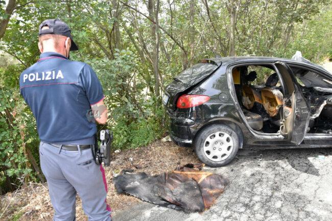 incidente-scontro-incendio-auto-via-del-castellaro-civitanova-FDM-4-650x433