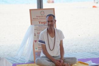 yoga-2-stefano-325x216