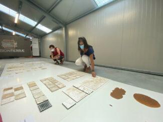 I-partecipanti-al-lavoro-con-lo-studio-dei-materiali