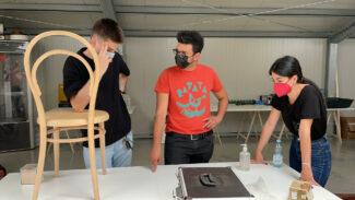 Il-Bootcamp-e-il-lavoro-sulla-sedia-14-di-Gebruder-Thonet-Vienna-325x183
