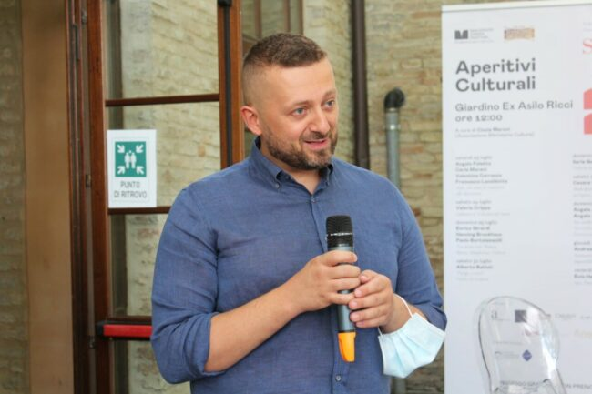 Matteo-paparelli-Aperitivi-culturali-2021-MR-650x433