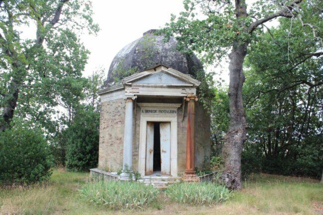 Mausoleo-Pantaleoni-9-650x433