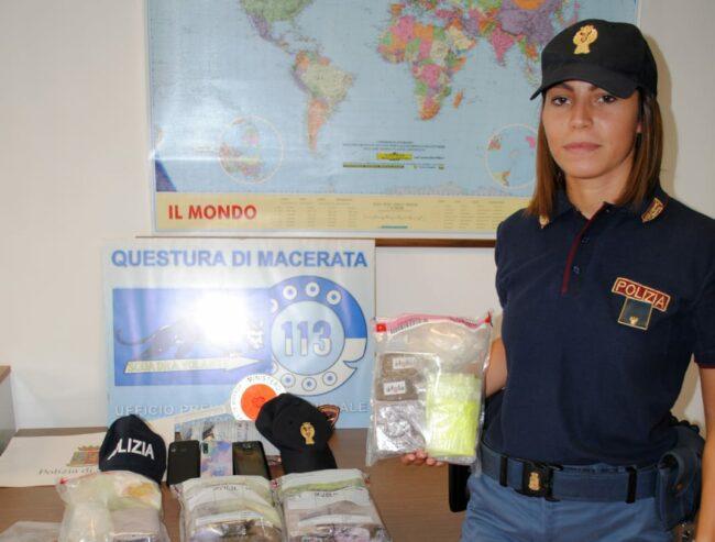 arresto-droga-polizia-e1627729383310-650x493