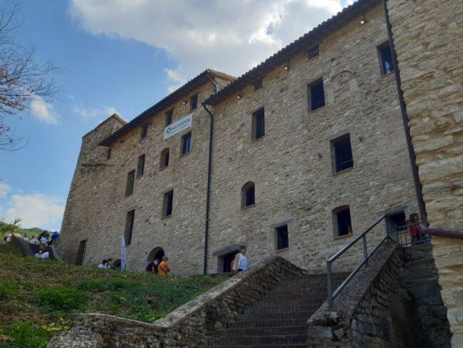 castello-esanatoglia1-650x488
