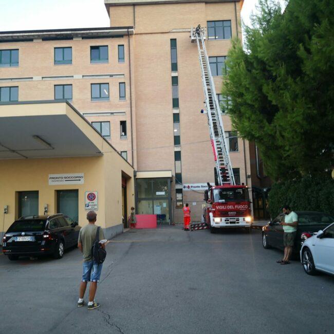 cornicione-ospedale2-650x650
