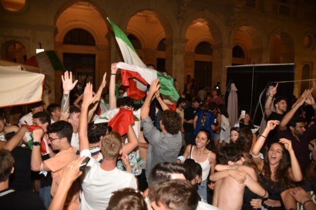 festeggiamenti_italia_europei-11-650x433