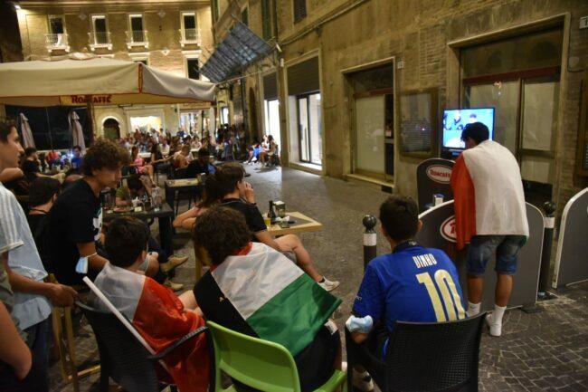 festeggiamenti_italia_europei-2-650x433