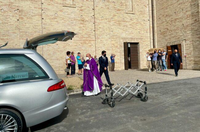 funerale-mercuri1-650x429
