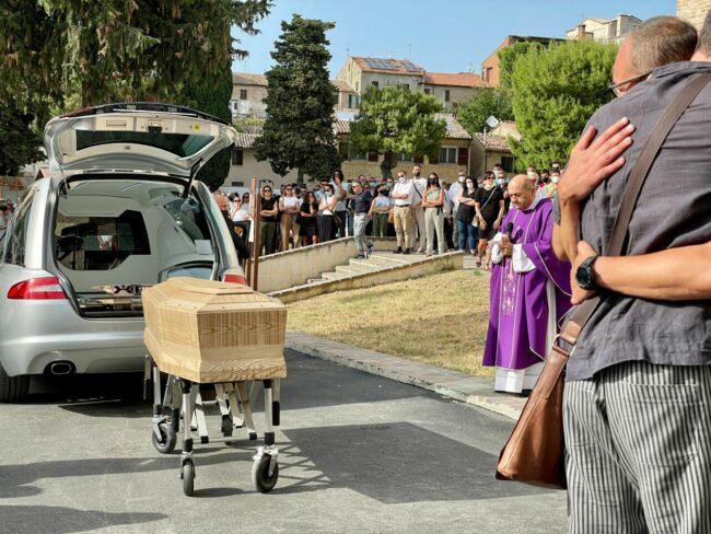 funerali-mercuri2-650x488