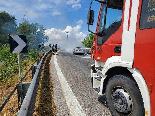 incendio-auto-superstrada1-650x488