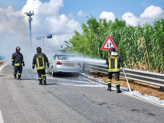 incendio-auto-superstrada2-650x488