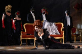 mof-2021-traviata4-325x216