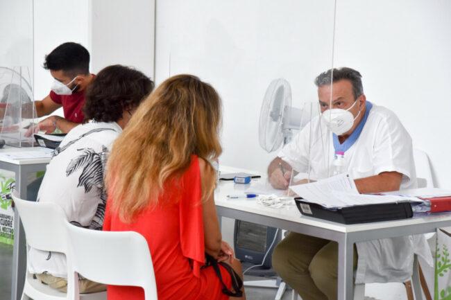 Vaccini_CentroVaccinazioni_Piediripa_FF-5-650x433