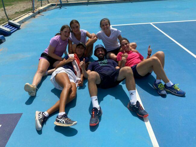 squadra-femminile-tennis-mc