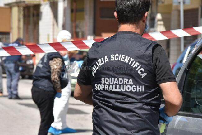 uomo-caduto-dal-terrazzo-polizia-scientifica-via-calatafimi-civitanoova-1-650x433