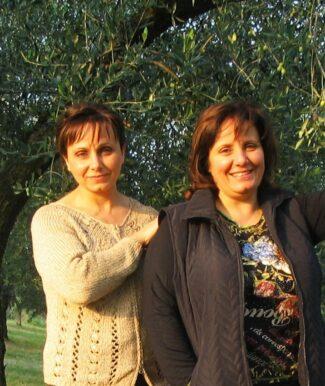 Elisabetta-e-Gabriella-Gabrielloni-2-325x386