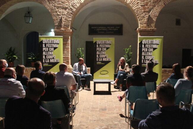 Moreno-Torricelli-intervistato-da-Riccardo-Milletti_anteprima-Overtime-Festival-2021-650x433