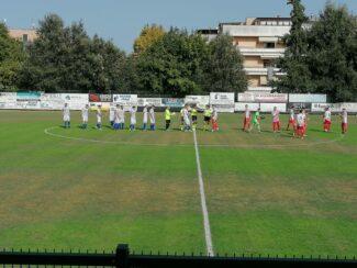 Squadre-in-campo-prima-del-fischio-dinizio-1-325x244
