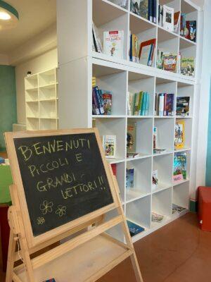inaugurazione-biblioteca-comunale-loro-piceno-7-300x400