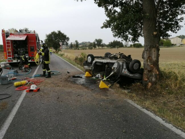 incidente-provinciale-78-urbisaglia-2-650x488