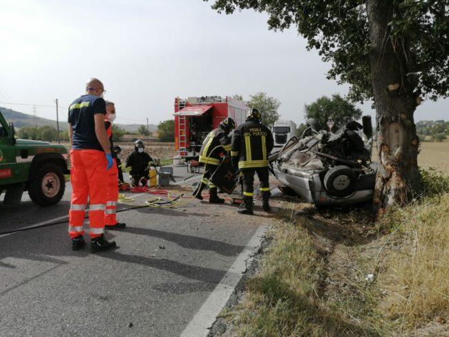 incidente-provinciale-78-urbisaglia-3-650x488