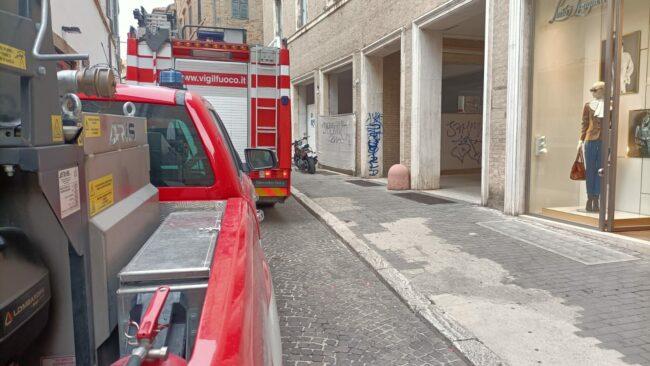 vigili-del-fuoco-centro-piazza-macerata-
