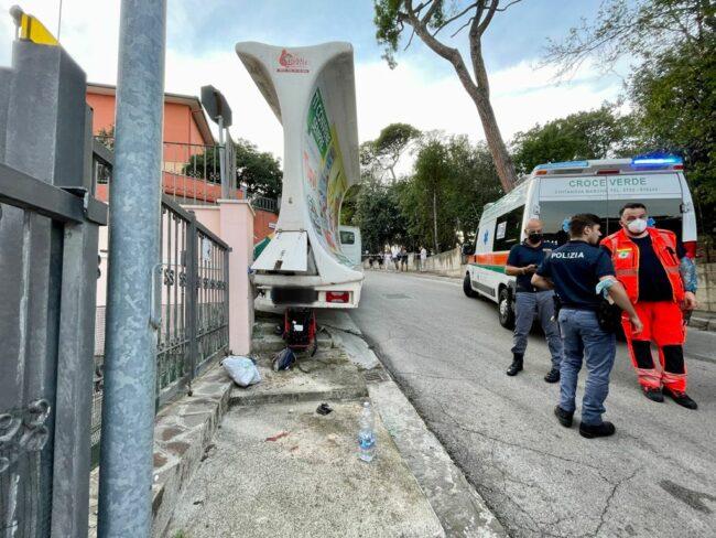 incidente-camion-vela-via-lombardia-2-650x488