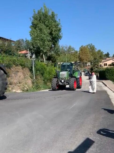 trattori-raduno-sarnano-1-486x650