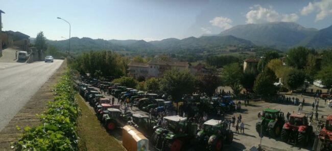 trattori-raduno-sarnano-2-650x295